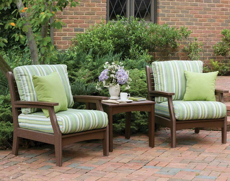 Polyester on your patio? You bet!